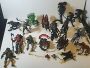 Vintage Kenner Aliens Vs Predator Mixed Lot Of 16 Action Figures And Accessories