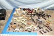 Vintage 1960and039s 1970and039s Lot Of Plastic Toy Horses 120e