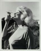 Marilyn Monroe Signed George Barris Large Pin-up Photo Last Sitting