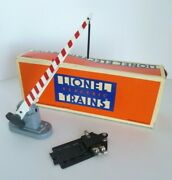 Vintage Lionel Automatic O Gauge Scale Lighted Railroad Crossing Signal Arm Gate