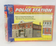 Life-like Trains N Scale Police Station Building Kit New Open Box Model Diorama