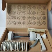 Pampered Chef Cookie Press 1525 Pastry Cheese Straws 16 Molds Retired New
