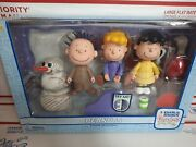 New Memory Lane A Charlie Brown Christmas Peanuts Figure Collection 7719