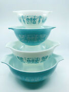 Vintage Pyrex Butterprint Amish Cinderella Mixing Bowl Set - Turquoise And White