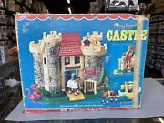 Complete Vintage Fisher Price Little People Castle 993 Excellent Condition