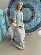 Lladro 5457 Bedtime Story Mint Condition Issued 1988 10.25 T 5.5 W Box Incll