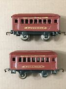 Pair Of Lionel Trains 600 Pullman Cars New York Central Lines Pre-war