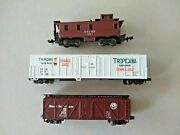 N Scale A.t. And S.f. Caboose, Tropicana Reefer And Great Northern Box Car