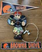 Mixed Lot Of Cleveland Browns Decorations - Felt Pennant Sign Light-up Player