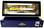 Ho Scale Athearn Genesis G70559 Union Pacific 4884 Sd70m Early Flare Dcc Ready