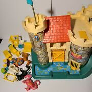 Vintage Fisher Price Little People Play Family Castle 993 King Queen Dragon