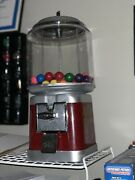 Beaver Gumball Machine, Very Nice Looking Working With Lock And Key