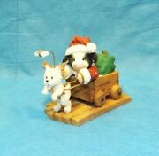 Maryand039s Moo Moos Making A Special Deerlivery 548723 Cow Dressd As Santa In Wagon