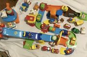 Lot Of 29 Vtech Go Go Smart Wheels Cars + Airport And Lots Of Track Pieces