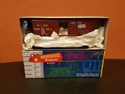 Ho Scale Roundhouse 40and039 Truss-boxcar 1028 C. N.w. New