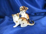 2 Vintage Royal Doulton Yellow Tiger Cats Kittens Playing Figurines Hn2582 2584
