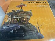Department 56 Snow Village Halloween Rusty's Used Cars Lit House 808965 New