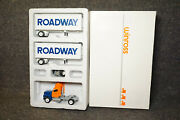 Winross Diecast 1/64 Scale Truck Roadway Trucking Doubles 1990