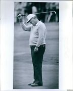1982 Miller Barber Misses Putt On 18th Hole Quail Hollow Sports Photo 8x10