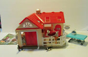 Breyer Deluxe Animal Hospital Vet Playset Stablemates Barn With Animals