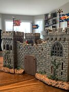 Papo Mini 2008 Castle Playset High Quality Plastic 40+ Figures Included