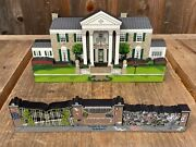 Sheliaandrsquos Collectibles Wooden House Elvis Presleyand039s Graceland Mansion Wall And Gate