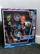 Bnib 2011 Monster High Doll Clawdeen And Howleen Wolf Werewolf Sisters Twin Pack