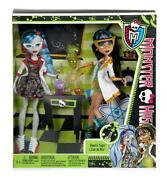 Monster High Classroom Cleo De Nile And Ghoulia Yelps 2-pack