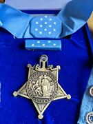 Us Orden Medal Of Honor Am Band Im Etui Us Navy Wk1 Wk2 Usa