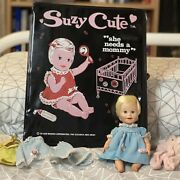 Vintage Deluxe Reading Suzy Cute Doll 1964 With Vinyl Carrying Case + Clothes