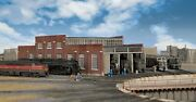 Walthers-modern Roundhouse 3 Add-on Stalls -- Kit - N Scale