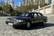 1/18 Lincoln Town Car 1990 Second Generation Diecast Model Toy Cars Gifts Black