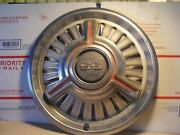 One Vintage Oem 1965 1966 Chevy Chevelle Chevy Ii Nova Ss Hubcaps 14 3860243