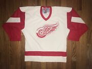 Detroit Red Wings Ccm Jersey Youth Medium White Preowned Nhl