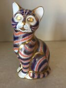 Beautiful Royal Crown Derby Gilt Imari Decorated Cat Figural Paperweight