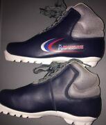 Madshus Crosscountry Skiing Shoe Red White Blue Discontinued Fur Lined Size 6 H2