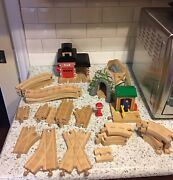 Thomas The Train Wooden Fire Dept, Conductor Shed, Mountain Tunnel And 28 Tracks