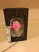 Halloween Prototype Prop Gemmy Animated Skeleton Head In Box. Moving Jaw.