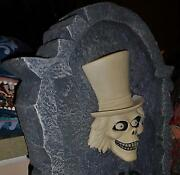 Disney Haunted Mansion Hatbox Ghost Big Figure Tombstone Lights - New Condition