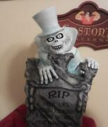 Disney Haunted Mansion Hatbox Ghost Big Figure Tombstone 2and039 Bright Lite -- New