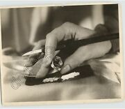 Cool 1930s Nyc Vintage Crime Press Photo Cocaine Drugs Hidden In Ring Wow Smart