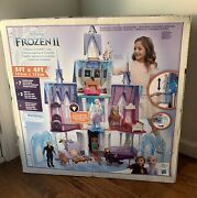 Disney - Frozen 2 Ultimate Arendelle Castle W/ Lights And Moving Balcony