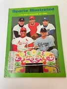 Sports Illustrated March 11, 1968 Best Rookies Of 1968 Featuring Johnny Bench