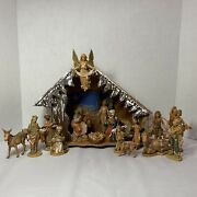 Vintage Fontanini Nativity W/16 Figures And Creche W/light, Made In Italy