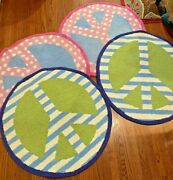 Set Of 4 Garnet Hill Peace Sign Hooked Wool Rug Excellent Used Condition