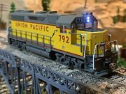 Ho Scale Kato Emd Gp35 Phase1c W/db Dc Or Dcc Diesel Locomotive Up Union Pacific