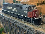 Ho Scale Athearn Genesis Sd70m Dcc Ready Southern Pacific W/ditch Lights New