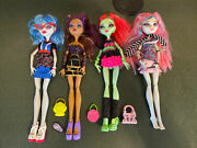 Monster High 4 Doll Set Ghoul's Night Out Rochelle Clawdeen Ghoulia Venus