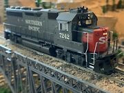 Ho Scale Athearn Genesis Gp40-2 Dcc Ready Diesel Locomotive Sp Southern Pacific