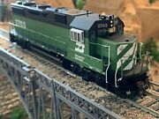 Ho Scale Athearn Genesis Gp39-2 Dcc Ready Bn Burlington Northern Extremely Nice